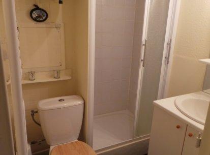 salle de bain studio chamois
